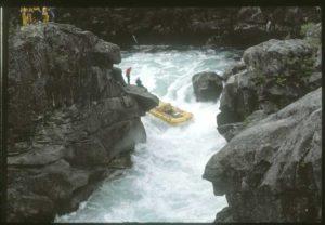 The first boat through Zeta on the Futaleufú